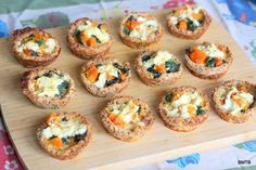 Pumpkin and Spinach Cups. Pumpkin and Spinach Cups - like a quiche but with bread for the base. Pie Recipes, Lunch Recipes, Vegetarian Recipes, Cooking Recipes, Spinach Bread, Baked Pumpkin, Brunch, Yummy Food, Snacks