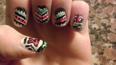 Kind of did it! Poncho nails