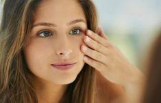 Κάντο όπως οι Γιαπωνέζες! Αυτό είναι το μυστικό τους για να έχουν μάτια που μοιάζουν με 20αρας μέσα σε 1 λεπτό! | Μυστικά ομορφιάς | mystikaomorfias.gr Routine, Facial, Health Tips, Beauty Hacks, Hair Beauty, Lips, Yoga, Curly, Porcelain Skin