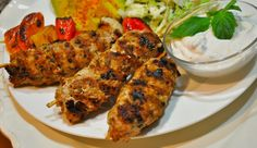 Easy recipe for Turkey Kebabs with Mint Yogurt Dip Kebab Recipes, Grilling Recipes, Almond Recipes, Paleo Recipes, Greece Food, Good Enough To Eat, Low Carb Diet, Turkey Recipes, Healthy Eating