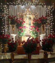 Mexico Christmas, Christmas Room, Christmas Lights, Altar Decorations, Christmas Decorations, Home Altar Catholic, Altar Design, Fiesta Theme Party, Mexican Crafts