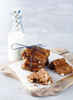 Piparmintulta ja mantelilta maistuvat mariannekeksit ilahduttavat kahvipöydässä tai tuliaisina. Kurkkaa ohje!