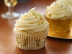 Adult Only Cupcakes: Mimosa Cupcakes - As I recall mom loved a Mimosa...