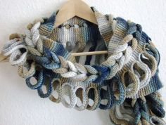 Rapunzelschal – Knitting patterns, knitting designs, knitting for beginners. Gilet Crochet, Crochet Collar, Knitted Shawls, Crochet Scarves, Crochet Shawl, Crochet Stitches, Free Crochet, Knit Crochet, Crochet Blouse