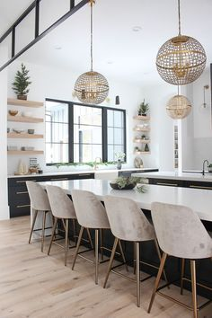 50 Best Modern Dining Room Design Ideas farmtable … – – Home living color wall treatment kitchen design Home Design, Room Interior Design, Dining Room Design, Home Interior, Design Ideas, Kitchen Interior, Modern Interior, Modern Furniture, Cottage Dining Rooms