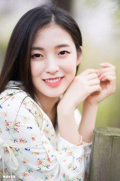 Tweets com conteúdo multimídia por kpopping (@kpoppingcom) | Twitter South Korean Girls, Korean Girl Groups, Arin Oh My Girl, Singer Fashion, Most Beautiful, Beautiful Women, Asian Kids, Female Stars, Korean Actresses