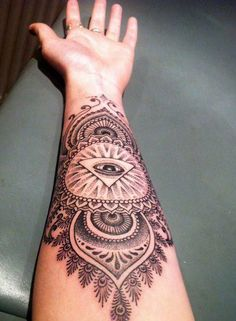 the mandala and the eye, the peacock #tattoo patterns| http://tattoopatterns888.blogspot.com