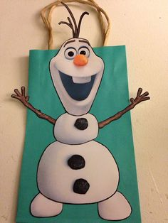 Frozen Inspired Olaf Party Favor Bags by DoodlesSweetTreats Christmas Crafts For Kids To Make, Toddler Christmas, Christmas Bags, Slumber Party Games, Carnival Birthday Parties, Birthday Party Decorations, Frozen Birthday Cake, Frozen Party, Frozen Frozen