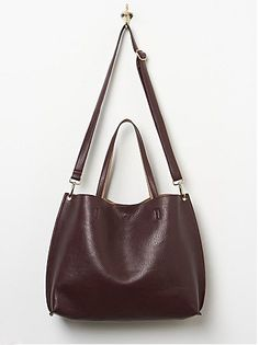 How to Dress Like a Parisienne - Peaceful Dumpling. reversible slouchy vegan leather tote (mulberry/taupe)