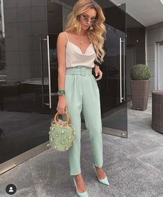 Winter Fashion Outfits, Look Fashion, Fashion Clothes, Classy Outfits, Stylish Outfits, Dressy Casual Outfits, Look Casual, Casual Pants, Summer Formal Outfits