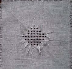 Hardanger Embroidery, Hand Embroidery, Drawn Thread, Embroidery Techniques, Doilies, Crochet, Stitch Patterns, Weaving, Angles