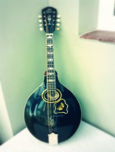 1906 Gibson A4 Mandolin #gibson #mandolin #music