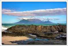 I've never been to Cape Town (or Africa for that matter), but it's on my list of places to visit. Places Around The World, Travel Around The World, Table Mountain Cape Town, 7 Natural Wonders, Paradise Travel, Out Of Africa, Scenic Photography, Africa Travel, Adventure Is Out There