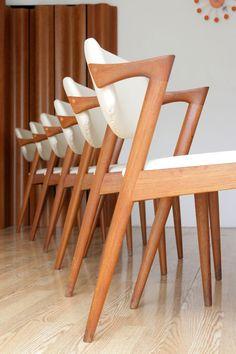 Set of 6 Kai Kristiansen Solid Teak Dining Chairs - Gorgeous! Danish Furniture, Scandinavian Furniture, Retro Furniture, Cool Furniture, Furniture Design, Mid Century Modern Design, Mid Century Modern Furniture, Teak Dining Chairs, Dining Table