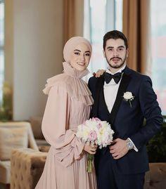 Muslimah Wedding Dress, Hijab Style Dress, Muslim Wedding Dresses, Bridal Dresses, Bridesmaid Dresses, Pink Dresses, Bridal Hijab, Hijab Bride, Wedding Hijab