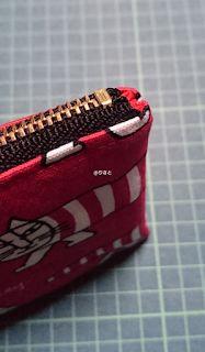 布ポーチ②*内布とファスナー付き Handmade Crafts, Diy And Crafts, Sewing Hacks, Sewing Projects, Zipper Pouch, Cosmetic Bag, Hand Weaving, Coin Purse, Tapestry