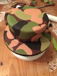 DIY Camouflage Fondant – Little Bunny & Bear The Effective Pictures We Offer You About Fondant Figures, Fondant Cakes, Hunting Birthday Cakes, Hunting Cakes, Nerf Gun Cake, Camouflage Cake, Camo Cakes, Army Cake, Military Cake