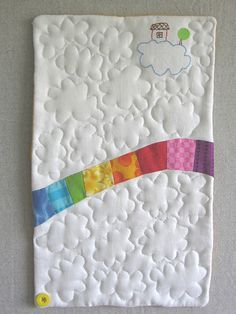 Somewhere over the rainbow... totallyl cute baby blanket idea!