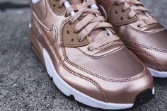 Nike Air Max 90 SE Kids Trainers in Metallic Bronze