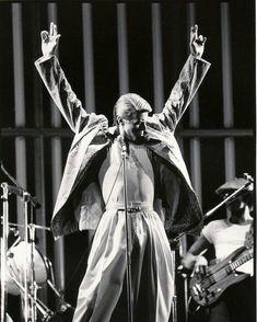 David Bowie during his Isolar Tour Glam Rock, Ziggy Played Guitar, David Bowie Ziggy, The Thin White Duke, Diamond Dogs, Major Tom, Ziggy Stardust, Lady Stardust, David Jones