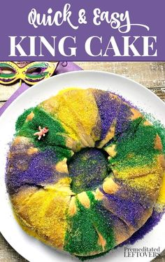 This Mardi Gras make this easy King Cake recipe using packaged crescent rolls for the dough. A delicious twist on a traditional Mardi Gras king cake. It has a cream cheese and pecan filling. Mardi Gras Food, Mardi Gras Party, King Cake Recipe Cream Cheese, King Cake Recipe Crescent Rolls, King Cake Cheesecake Recipe, Easy King Cake Recipe, Cream Cake, Ice Cream, Thai Curry