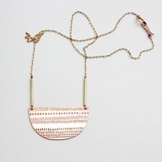 """Collar de latón y cobre cincelado a mano y diseñado por EMEDEMARTA para """"la casita de wendy"""""""