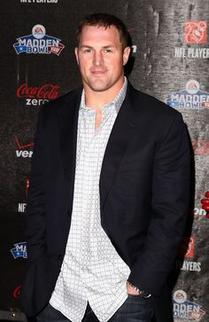 NFL player Jason Witten of the Dallas Cowboys attends the Coke Zero black carpet at the EA SPORTS Madden Bowl XVII at The Glass Cactus on February 2011 in Grapevine, Texas. Dallas Cowboys Football, Football Boys, Football Season, Cowboys Players, Pittsburgh Steelers, Football Shirts, Football Players, Jason Witten, How Bout Them Cowboys