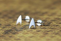 Handmade Star Trek badge earrings. | Material: Rhodium plated silver (sterling silver - 925) | Techniques: metal cutting, soldering and plating