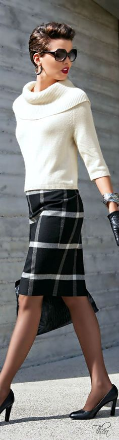 Crop Sweater and Plaid Skirt | Classic Street Outf...