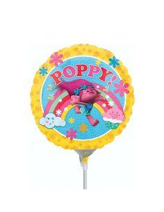 Globo hinchado aluminio Poppy Trolls™ 23 cm: Este globo de aluminio tiene licencia oficial Trolls™.Mide alrededor de 23 cm de diámetro.El globo se vende hinchado.El personaje Poppy aparece dibujado con fondo de arcoíris y...