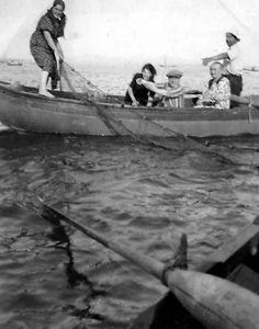 Kumkapılı balıkçılar (1950'li yıllar) #istanbul pic.twitter.com/pZcm0iKHgI
