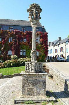 Rochefort en terre le calvaire