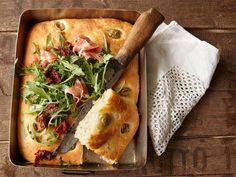 Oliivifocaccia Cheesesteak, Scones, Bakery, Rolls, Cooking, Ethnic Recipes, Food, Breads, Kitchen
