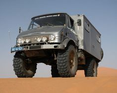 Unimog 416. And people think hummers have ground clearance. HA!