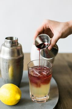 A Pleasant New York Cocktail: Mix Wild Turkey American Honey and lemon juice in a shaker with ice. Pour ingredients over ice and add club soda. Top with red wine and garnish with lemon wheel. Cocktail Drinks, Cocktail Recipes, Alcoholic Drinks, Cocktail Mix, Bourbon Drinks, Cocktails, Honey Liquor, Honey Drink, Hard Drinks