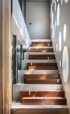 Modern Staircase Design Ideas – Browse inspiring images of modern stairs. With f… Modern Staircase Design Ideas – Browse inspiring Concrete Stairs, Wood Stairs, House Stairs, Basement Stairs, Open Basement, Basement Ideas, Entry Stairs, Concrete Wood, Home Stairs Design
