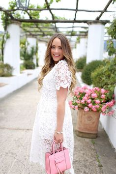 White Lace Dress in Ravello Garden (http://www.brittanyanncourtney.com/2017/05/white-lace-dress-in-ravello-garden.html)