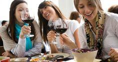 Los 'millennials' son la generación que bebe más vino: Estudio