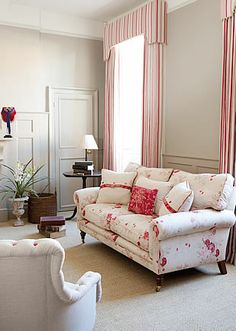 Modern Country Style: Kate Forman, Farrow and Ball's Light Grey Cortinas Shabby Chic, Shabby Chic Curtains, Country Curtains, Window Treatments Living Room, Living Room Windows, Exterior Paint Colors For House, Paint Colors For Home, Living Room On A Budget, My Living Room