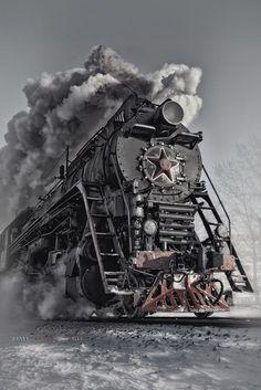 Chinese Railroad steam locomotive just like the one on the Boone and Scenic railroad in Iowa. Train Tracks, Train Rides, Lac Como, Image Train, Motor A Vapor, Old Steam Train, Bonde, Train Art, Old Trains