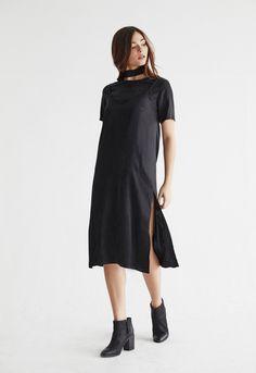 VETTA Slip Dress   capsule wardrobe essentials. made in usa. eco-friendly fabric. ethical fashion. capsule wardrobe. curated closet. fall capsule wardrobe. winter capsule wardrobe. sustainable fashion.