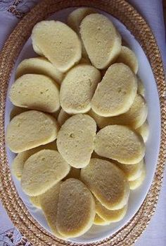 KNEDLIKY (steamed czech dumpling) ~~~ these dumplings can be made of wheat (loaf. - I Cook Different Slovak Recipes, Czech Recipes, Hungarian Recipes, Ethnic Recipes, Dumpling Recipe, Bread Dumplings Recipes, Steamed Dumplings, German Dumplings, Eastern European Recipes