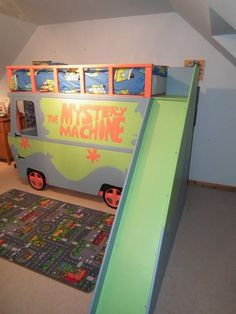 Scooby doo bed and slide Bunk Beds With Stairs, Kids Bunk Beds, Cool Diy, Loft Spaces, Small Spaces, Sharing Bed, Triple Bunk Beds, Modern Bunk Beds, Bunk Bed Designs