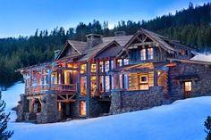 Log ski chalet in Montana
