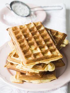 Gofry na maślance - Przepis Waffles, Breakfast, Food, Friends, Desserts, Morning Coffee, Amigos, Tailgate Desserts, Deserts
