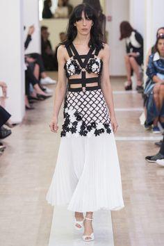 Emanuel Ungaro Spring 2016 Ready-to-Wear Collection Photos - Vogue