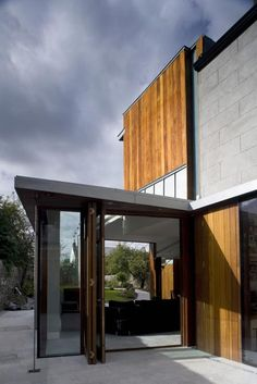 Windhover house by Ailtireacht Architects