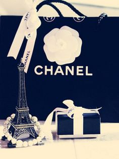 Chanel on Pinterest   Chanel, Wallpapers and Exhibitions