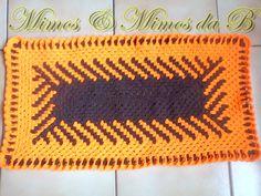 Passadeira bicolor em crochê diagonal (75,5 cm X 40 cm) nas cores laranja e marron. Cores quentes, perfeitas para este verão. Ilumine sua casa! Pronta entrega. Aberto a negociação de valor.