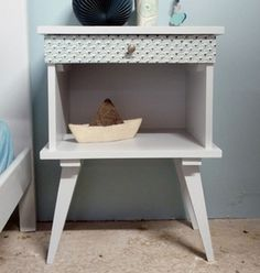 table de chevet ann e 70 vintage relooker meuble pinterest vintage et tables. Black Bedroom Furniture Sets. Home Design Ideas